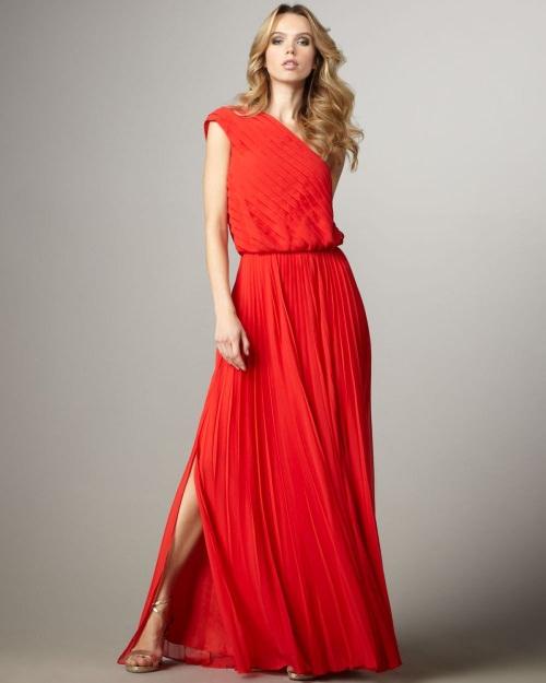 красное платье для нового года 2016