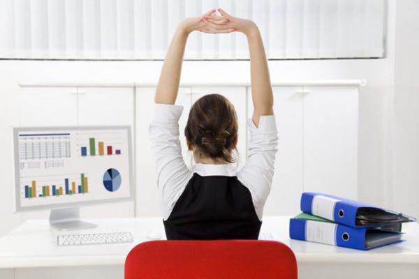 Разминка для шеи и плеч на работе