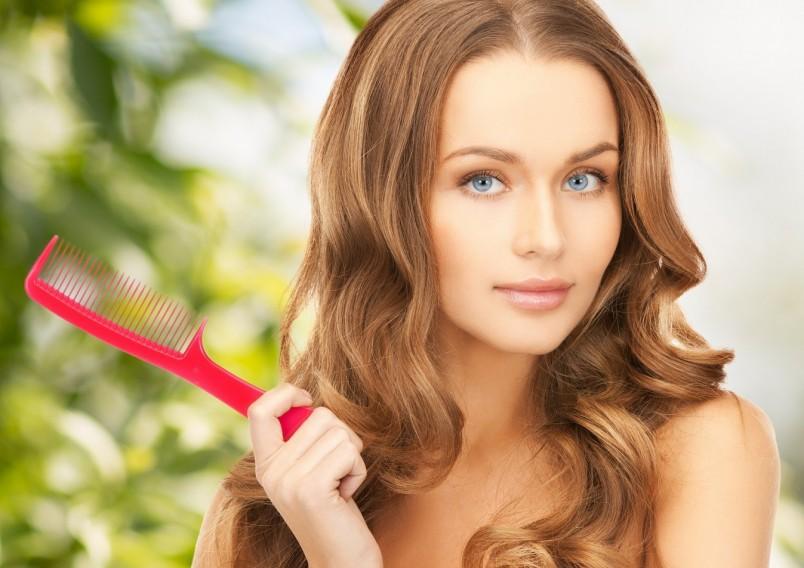 Чаще всего причиной выпадения волос является ослабленный иммунитет.
