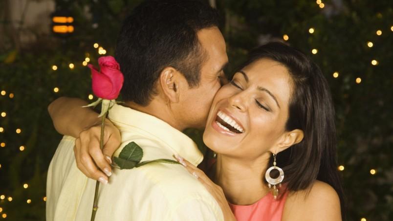 Названия свадебных годовщин очень важны. Зная как называется очередная годовщина семейной пары, вы с легкостью сможете подобрать символический подарок.