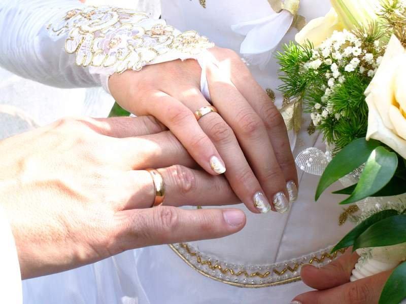 Подарок родителям на годовщину свадьбы должен быть особенным. Выбирайте практичные вещи, которые могут пригодится в хозяйстве.