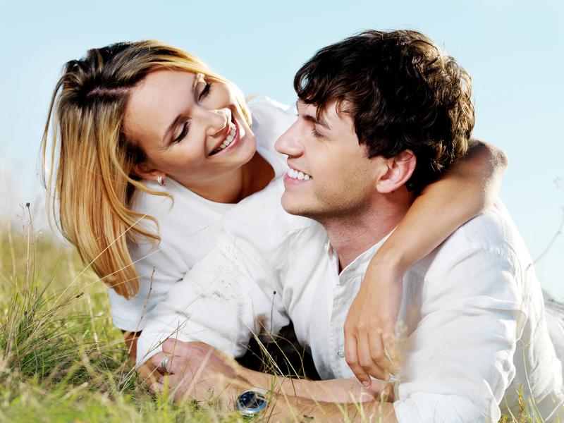 Любые отношения с мужчиной имеют свои правила и секреты. Каждая девушка должна их соблюдать для того, чтобы сохранить отношения.