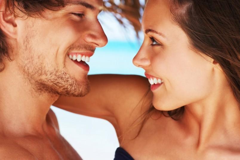 Первый поцелуй-это всегда волнительно и желанно.