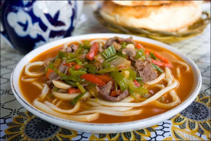 Лагман - это национальное блюдо восточной кухни.