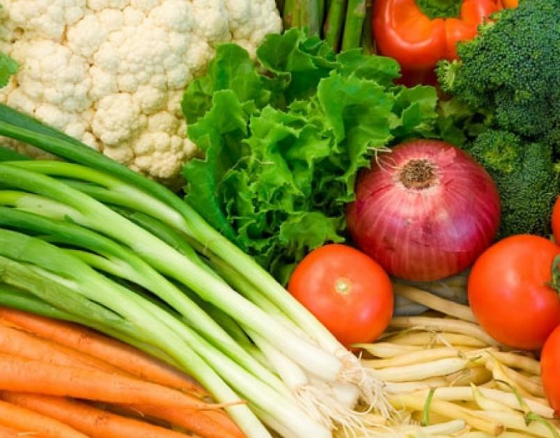 Список продуктов для похудения должен в себя включать низкокалорийные продукты питания.