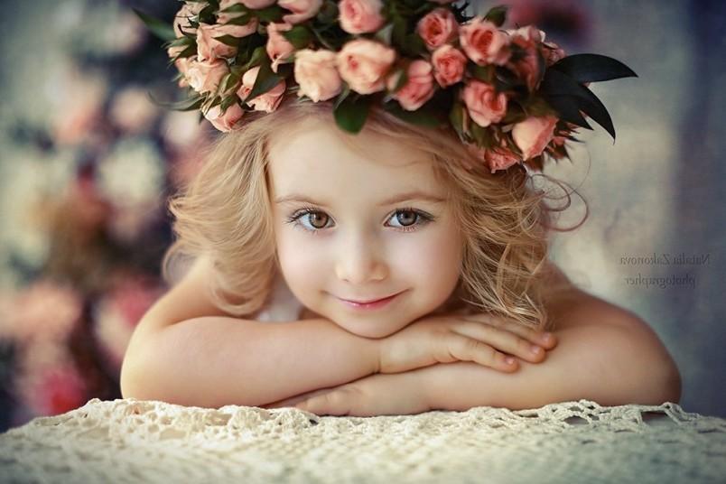 Существует примета о том, что если подобрать правильное имя для девочки, то ее жизнь будет счастливой и удачной.