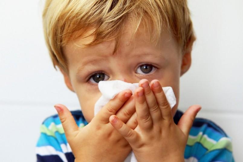 Используйте капли Отривин для лечения насморка у четырехмесячных детей.