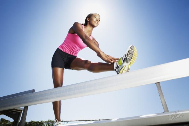 Залог шпагата - это хорошая растяжка мышц ног.