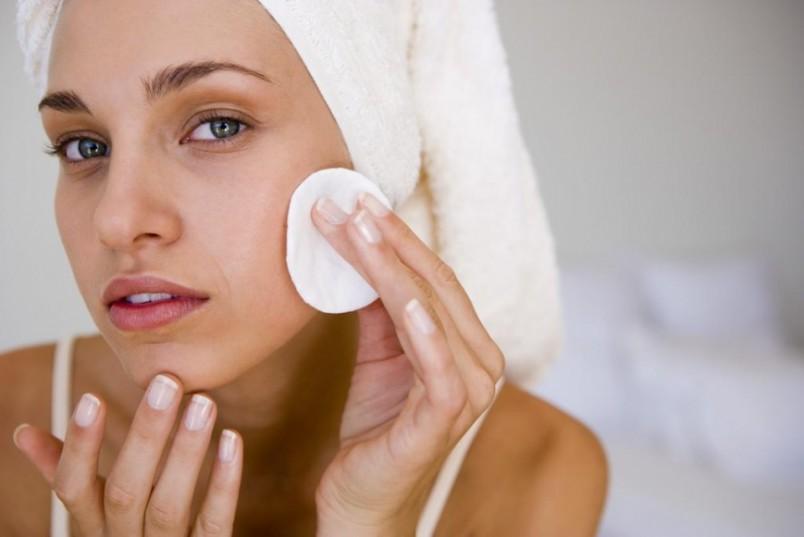 Вам следует отказаться от чистки в том случает, если на лице имеются воспаления и прыщи.