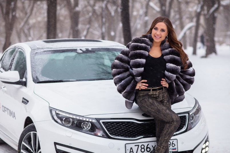Короткие шубы и легкие куртки отлично подойдут для вождения автомобиля.