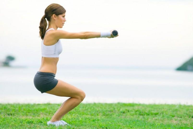Приседания-это самый эффективный способ накачать мышцы ягодиц и ног.