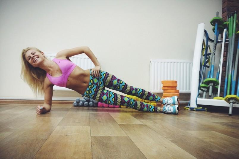 Главное помнить, что занятия должны быть разнообразными. Чередуйте силовые упражнения с кардионагрузками.