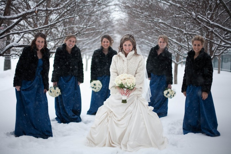 Свадьба зимой-это не только красиво, но и экономично.
