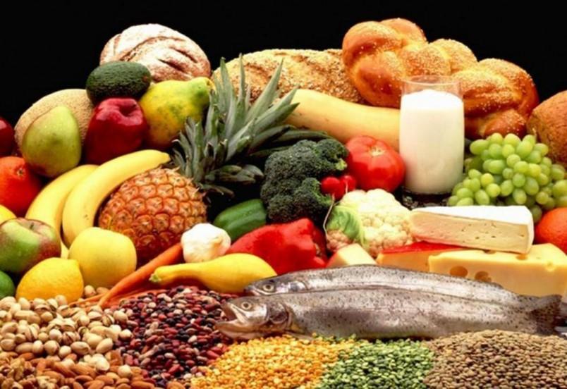 Начните кушать здоровую пищу, в которой содержаться полезные витамины и микроэлементы.
