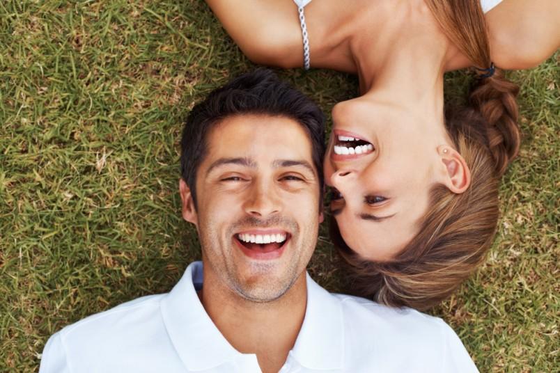 Играйте с мужчиной, если он с вами веселый и шутливый, шутите в ответ. Отражайте его настроение словно зеркало.
