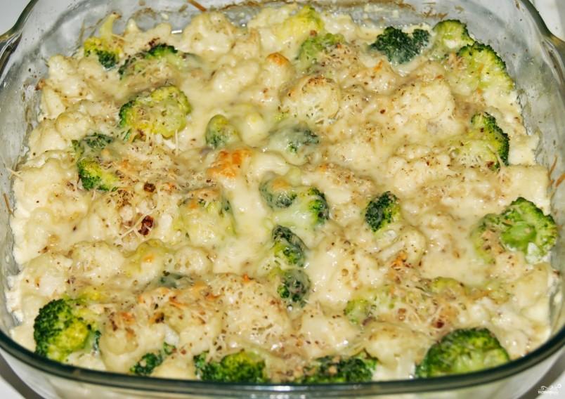 Для приготовления полезного завтрака, вам понадобиться цветная капуста, яйца, сыр и зелень. Подобное блюдо отлично подойдет для людей, которые следят за своей фигурой.