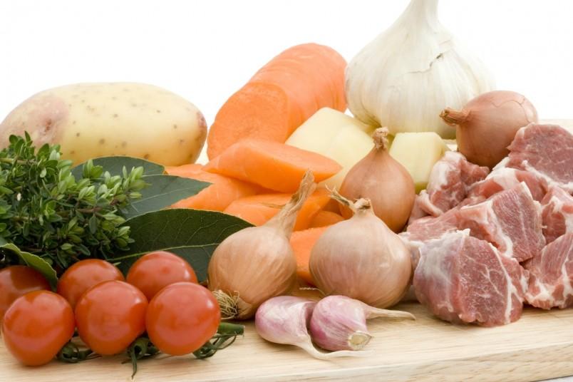 Для обладателей первой группы крови рекомендуется употреблять мясные и рыбные продукты.
