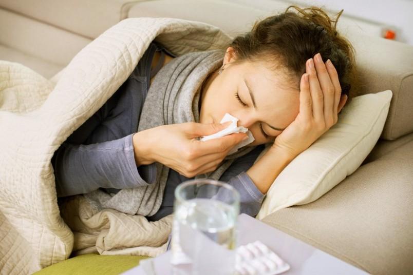 При выявлении простудных симптомов необходимо сразу же обратиться к врачу.
