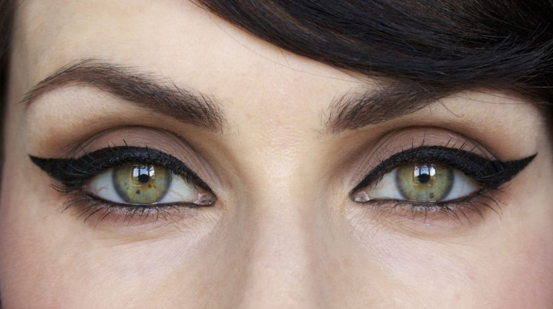 Правильно подобранные стрелки могут увеличивать глаза в несколько раз.