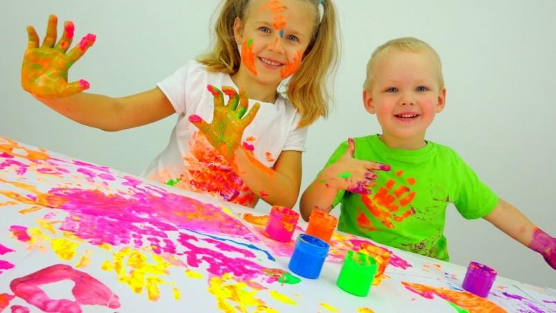 Помимо полезных свойств, пальчиковые краски доставляют детям множество радостных и позитивных эмоций.