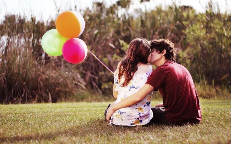 Поцеловав парня вы даете ему понять что готовы в дальнейшем продолжать отношения.
