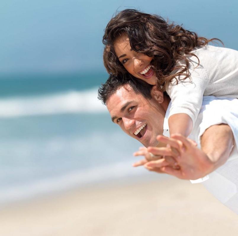Чтобы сохранить свои любовные отношения не превращайтесь в ханжу, которая вечно чем-то недовольна. Доверяйте своему партнеру, любите его и у вас все обязательно будет хорошо.