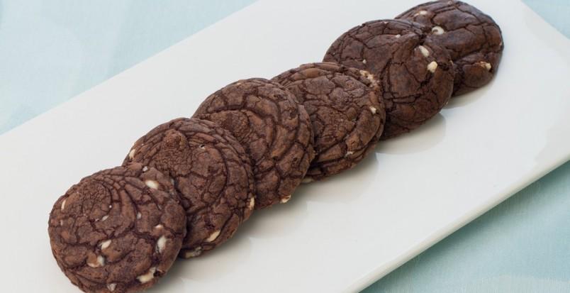 Для любителей кокосовой стружки, есть замечательный рецепт простого печенья.