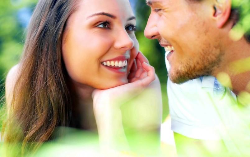 Прежде чем признаться парню в любви, узнайте что он думает о вас, как относится к вашим отношениям.