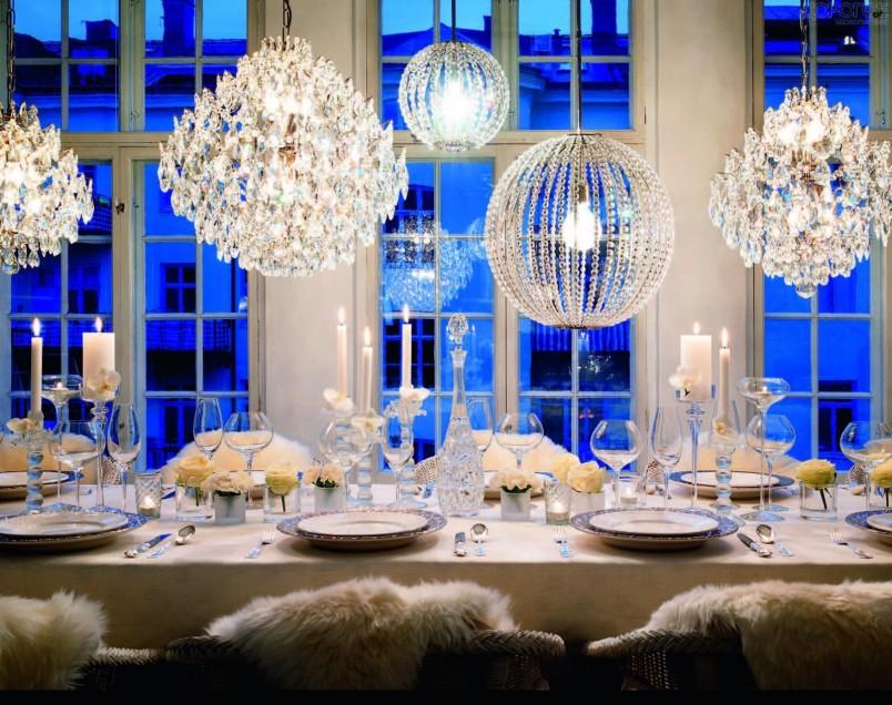 Цвета зимней свадьбы могут быть разнообразны, начиная от традиционных красного и черного, и заканчивая оранжевым, берюзовым или малиновым.