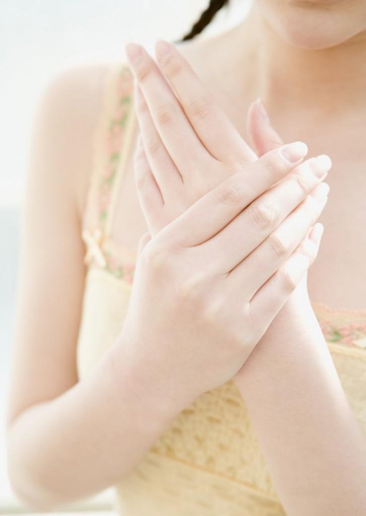 При онемении левой руки причиной может оказаться сердечная недостаточность.