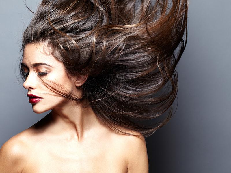 Если вы хотите стать обладательницей прекрасной шевелюры, выполняйте все рекомендации и используйте действенные маски для волос.
