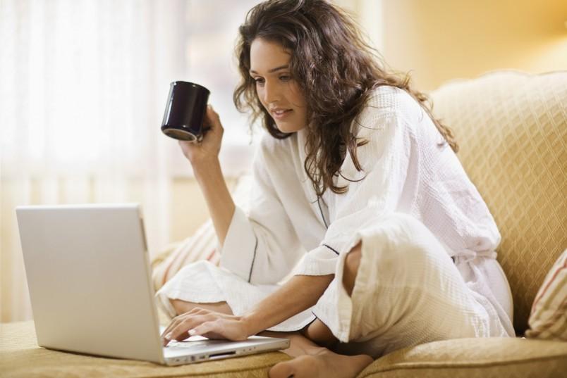 Не забывайте и об отдыхе. Делайте небольшие перерывы, в которые можно убрать в квартире, посидеть в соц.сетях или выпить кофе.