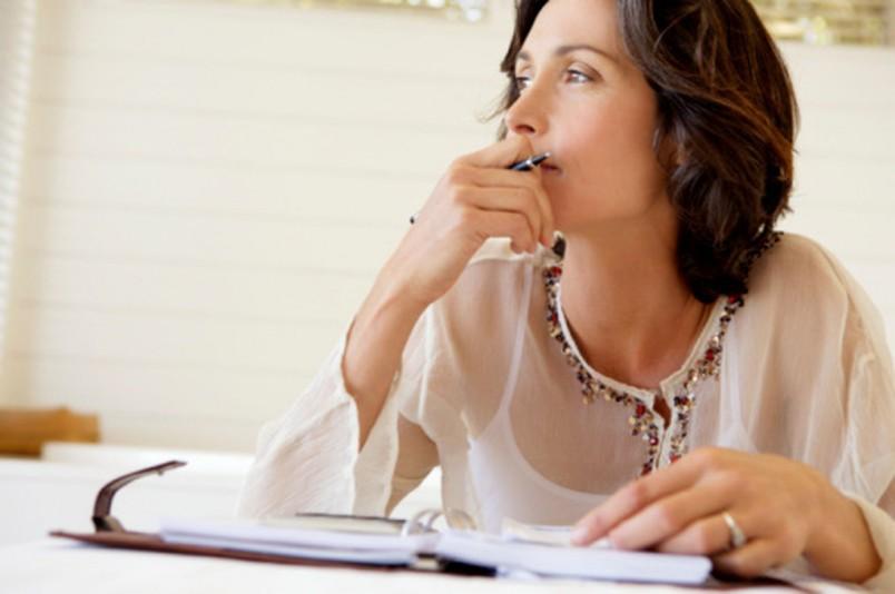 Заведите дневник и записывайте в нем свои мысли.  Так вы сможете анализировать свои поступки и действия, и понять что вас вгоняет в стресс.