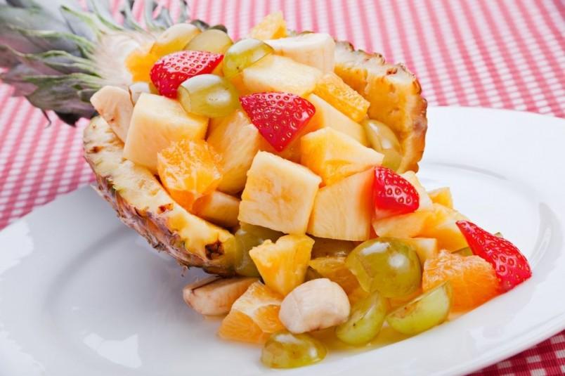 Предпочитаете легкий ужин? Фруктовый салат отлично подойдет для этого.
