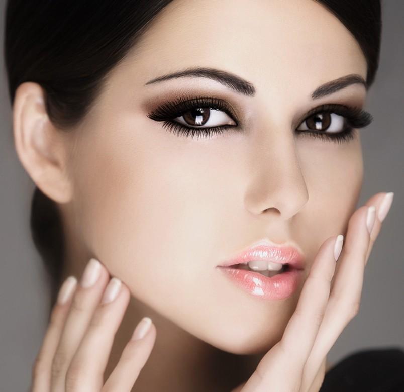 Благодаря краске estel ваши брови и ресницы обретут выразительности и насыщенности.
