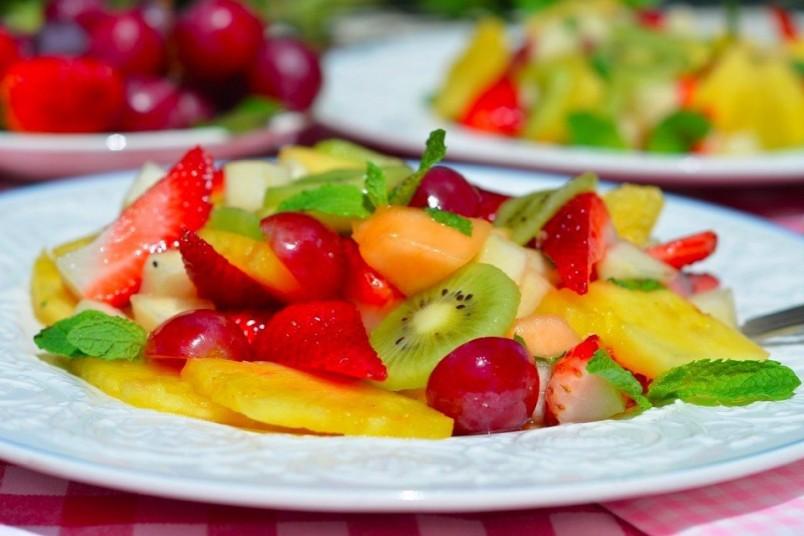 Фруктовый салат - это отличная альтернатива любого десерта.
