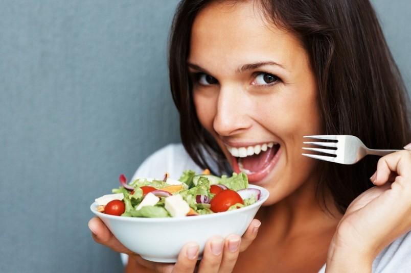 Щадящая диета обычно более мягко очищает организм от вредных веществ и способствует постепенному похудению, снижая дряблость тела.