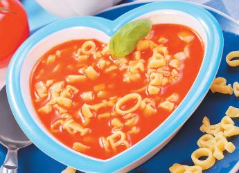 Томаты отлично сочетаются с самыми разнообразными продуктами, поэтому рецептов томатных супов невероятно много.