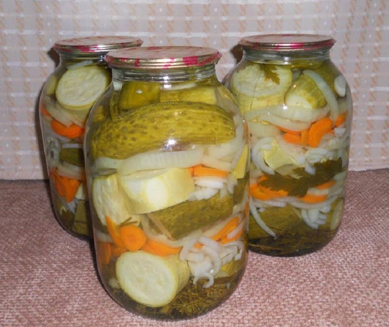 Консервированные на зиму кабачки с огурцами кладезь витаминов для организма.