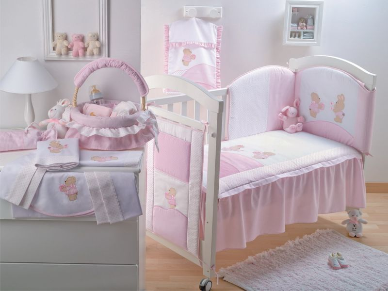 Кроватка для младенца - важный атрибут на начальном этапе его жизни. Выбирайте удобную и практичную модель.