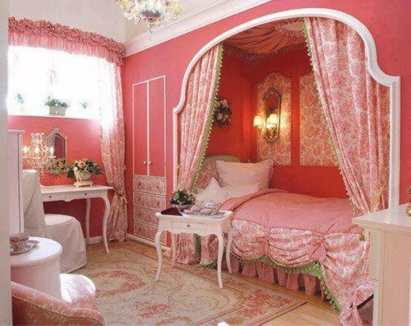 Комната в стиле хочу в Париж позволит почувствовать себя ребенку принцессой.