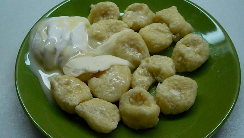 Обычные ленивые вареники с творогом - блюдо, покорившее миллионы людей.
