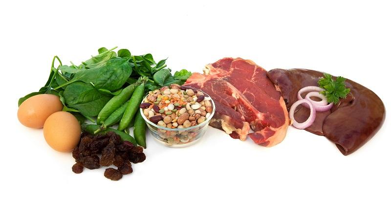 Витаминизированное питание и активный образ жизни помогут поднять гемоглобин.