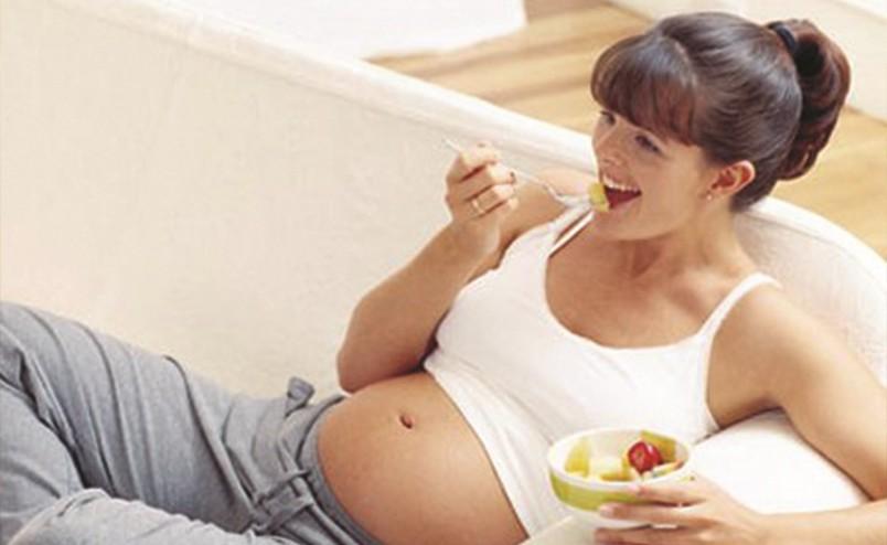 Если в течение беременности следить за весом и правильно питаться, то этих осложнений можно избежать.