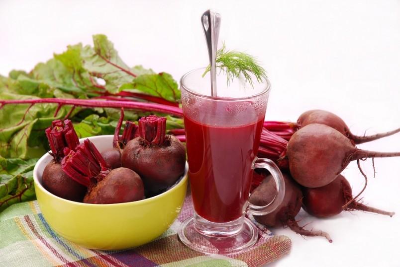 Свекла и свекольный сок является своего рода веником для организма. Она мягко очистит кишечник без вреда для здоровья.