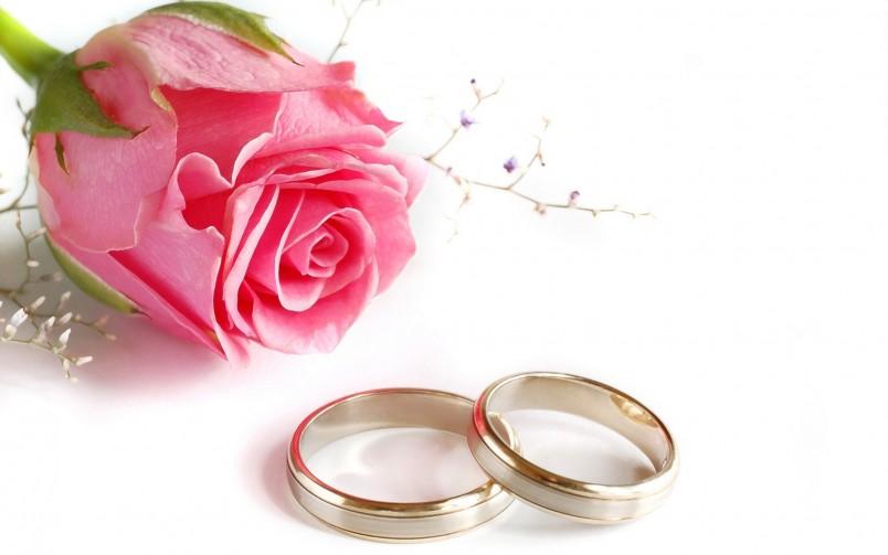 25 лет со дня свадьбы - это достойная дата. На такой юбилей принято дарить предметы из серебра.