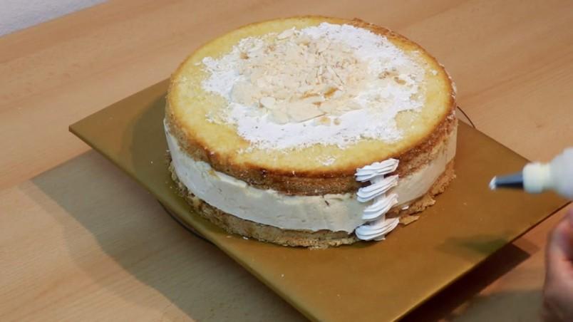 Для того чтобы сделать торт мягким, нежным и по-настоящему сочным, рекомендуют готовить специальные пропитки.