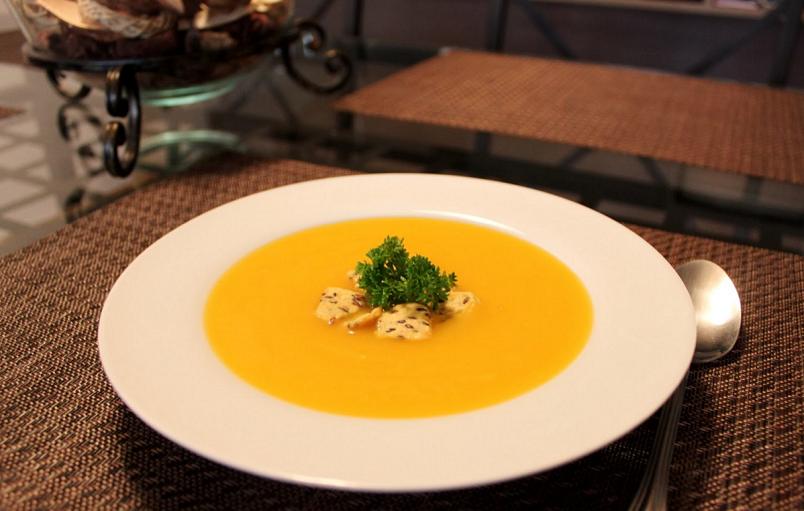 Суп пюре из тыквы - кладезь витаминов, улучающий работу всего организма.