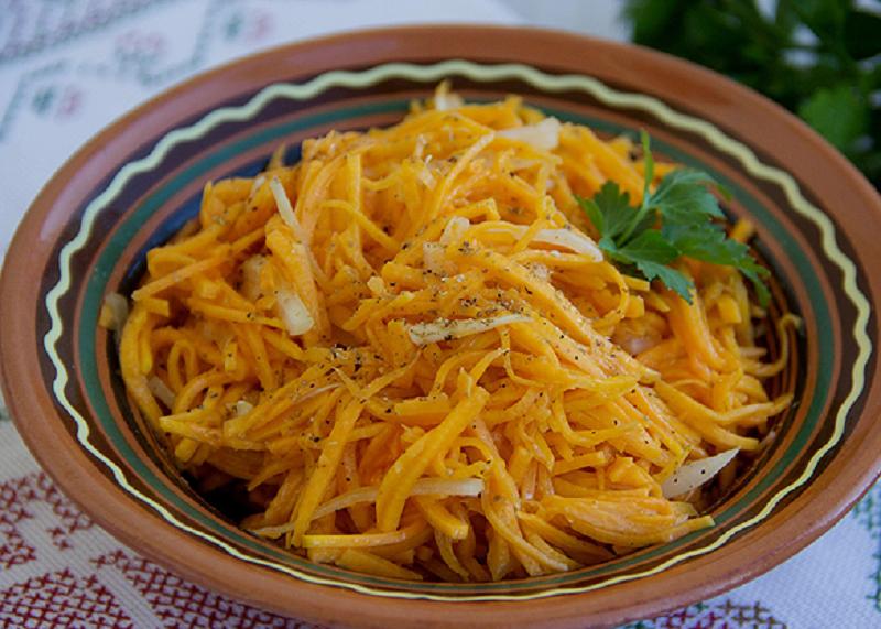 Острая закуска из тыквы может составить конкуренцию популярной корейской морковке.