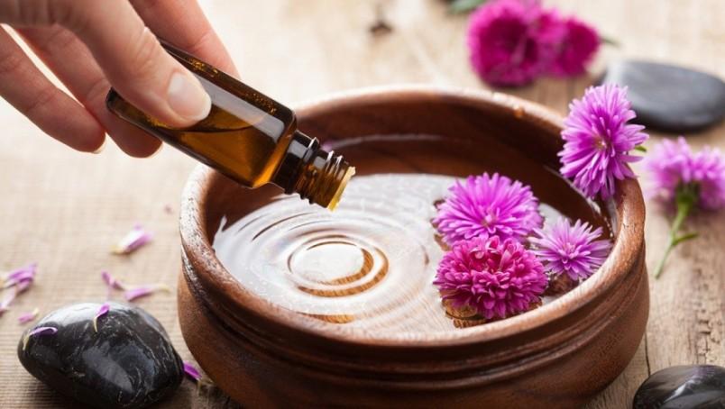 Чтобы льняное масло пошло на пользу вашей красоте и не принесло никакого вреда, его нужно правильно хранить, не допуская просрочки.